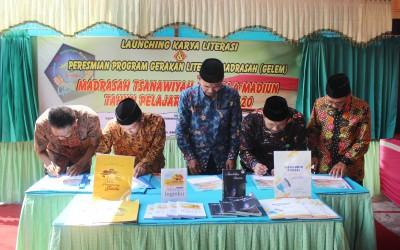 Peresmian Gerakan Literasi Madrasah Di MTsN 4 Madiun