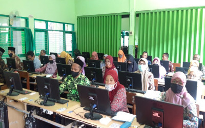 Patuhi Protokol Kesehatan, Pelaksanaan AKG 2020 di MTsN 4 Madiun Berlangsung Lancar